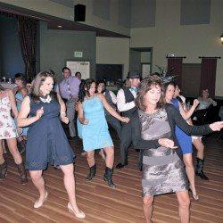 orlando-djs-longwood-commuity-building-wedding-guests-dancing