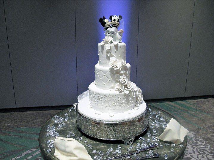 shades-of-green-wedding-cake