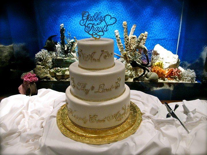 epcot-living-seas-vip-lounge-wedding-cake