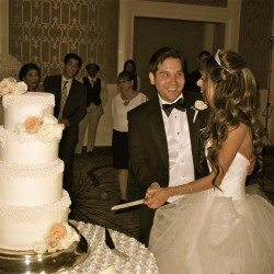 four-seasons-orlando-resort-wedding-cake-cutting