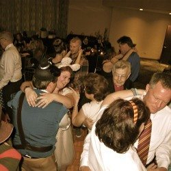 lake-buena-vista-doubletree-hilton-wedding-guests-dancing