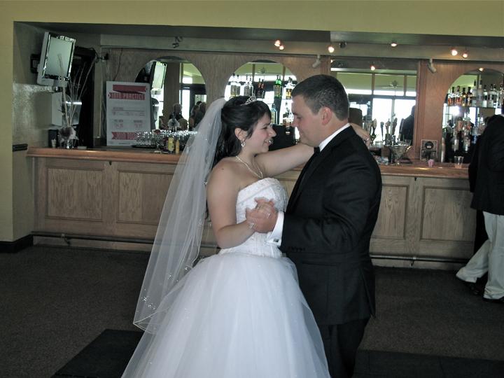sanctuary-ridge-golf-club-wedding-first-dance