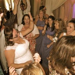 orlando-djs-crystal-ballroom-on-the-lake-wedding-brides-dance