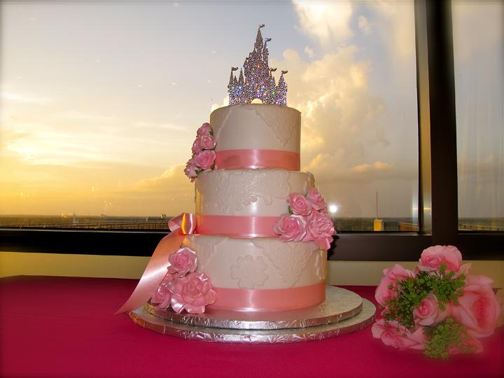disney-contemporary-napa-room-wedding-cake