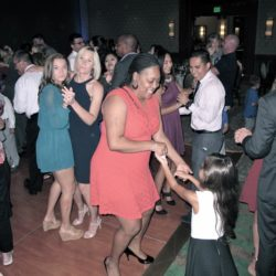 shades-of-green-wedding-guests-dancing