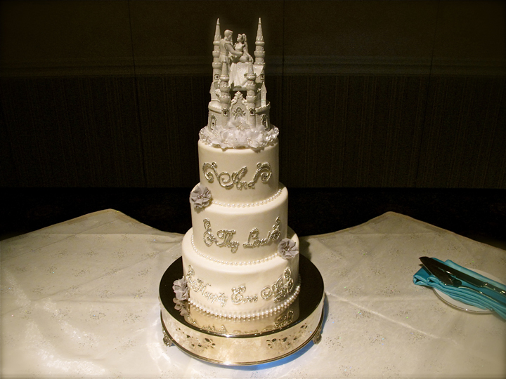 grand-floridian-disney-wedding-cake