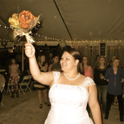 central-florida-outdoor-ocoee-wedding-bouquet-toss