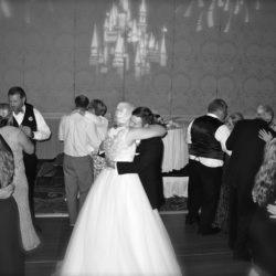 grand-floridian-walt-disney-world-wedding-guests-dancing