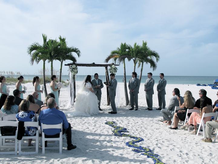 st-pete-grand-plaza-resort-wedding-beach-ceremony