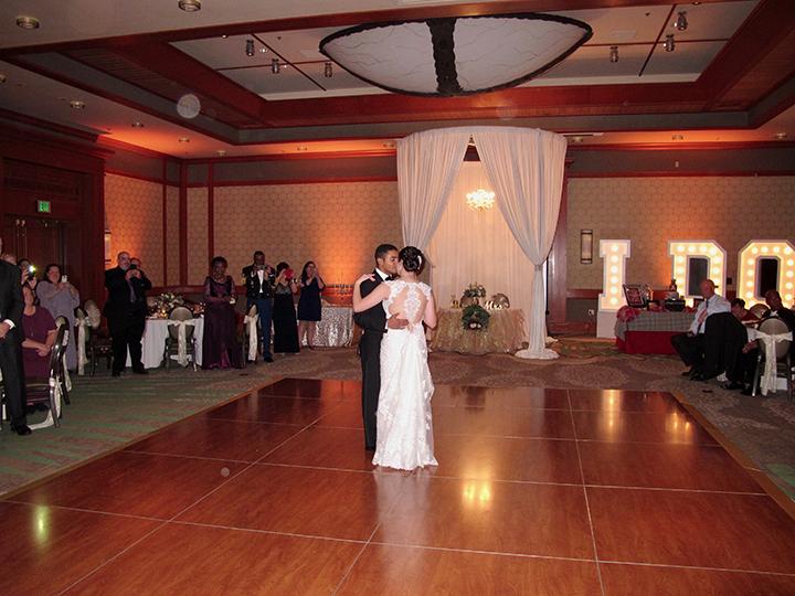 wdw-shades-of-green-wedding-first-dance
