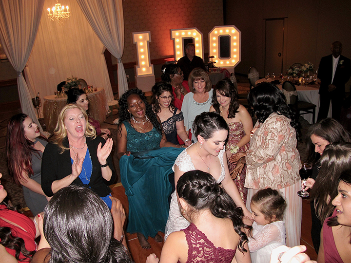 wdw-shades-of-green-wedding-first-guests-dancing