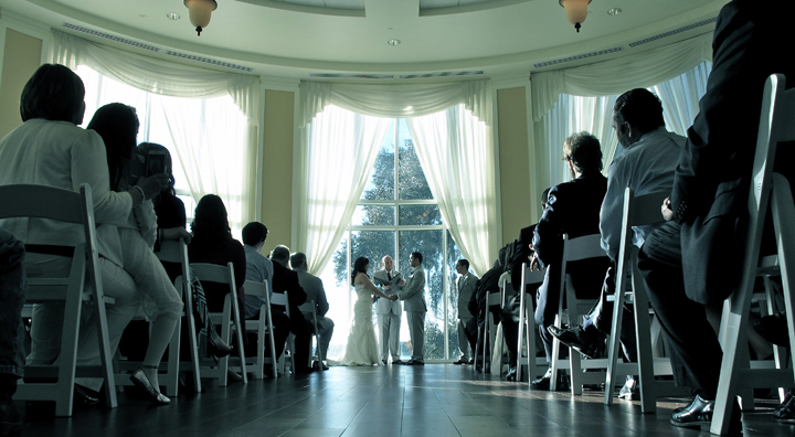 The Lake Mary Events Center Rotunda is a weather-protected area to have your wedding ceremony.