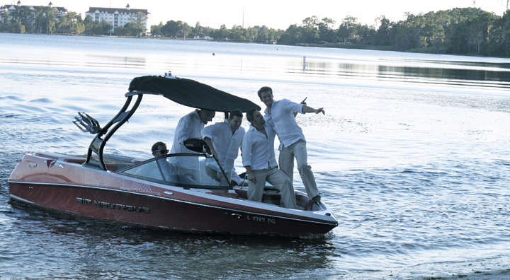 The Groomsmen can arrive to the ceremony on a speedboat at Paradise Cove in Central Florida.