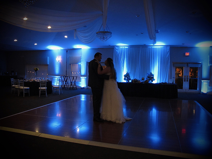 Sharing a last dance is the perfect way to say goodnight after your wedding at the Royal Crest Room.